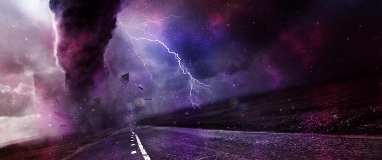 Tornado filmado de muito perto no Colorado – EUA
