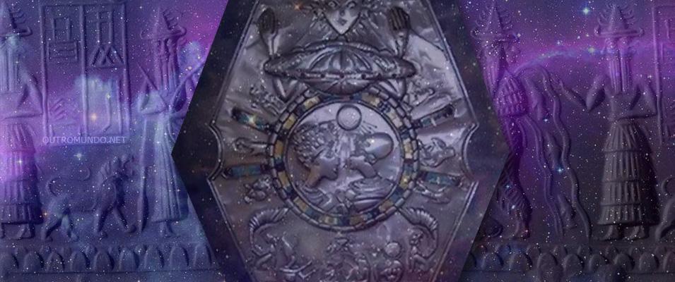 O medalhão sumério com figuras extraterrestres